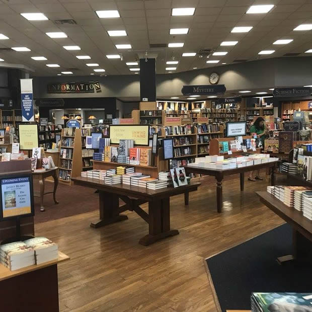Joseph Beth Books at Rookwood Commons & Pavilion in Cincinnati, OH